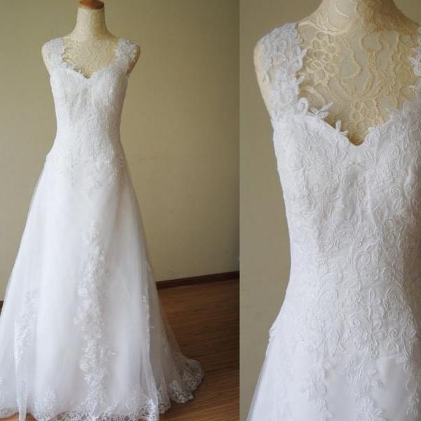 2015 White Dress A-line Appliqued Soft Tulle Straps Sweep Train Lace Wedding Dresses With Crystal